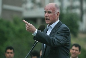 Gov. Jerry Brown signs bill to refund Solar Initiative program in CA