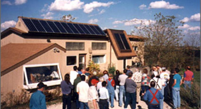 Solar tours showcase value of distributed generation