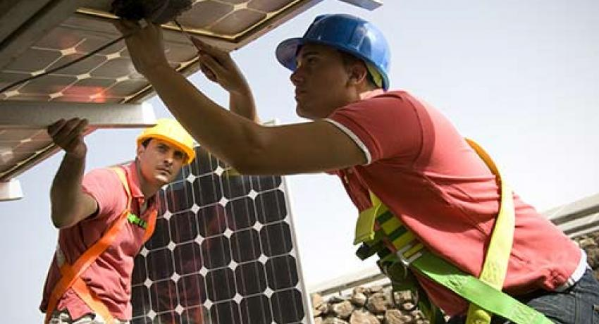 Jobs census: U S  solar industry grows more than 20 percent in 2015