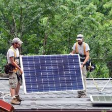 If the solar tax credit expires, it could cost 100,000 Americans their jobs